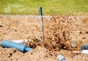 Jukskei pin landing in loose sand